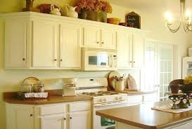 cleaning oak kitchen cabinets clean wood kitchen cabinets femvote