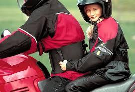 si e enfant scooter enfants et deux roues motorisés un minimum de règles à respecter