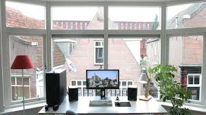 the minimal floating monitor workspace