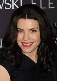 julianna margulies haircut the late show with david letterman arrivals 2010 julianna