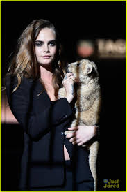 cara delevingne loves being alone now photo 766421 photo