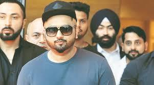 Seeking Honey Song Rap Singer Honey Singh Does A Yo Yo Caigns For Both Bjp And