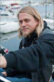 jax hair sons of anarchy star charlie hunnam on jax s rough ride the watcher