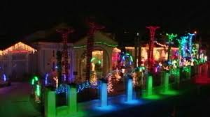 White House Christmas Decorating Application by 20 Secrets Behind Unbelievable Christmas Lights Displays Abc News