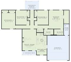 traditional style house plan 4 beds 2 baths 1562 sq ft plan 17