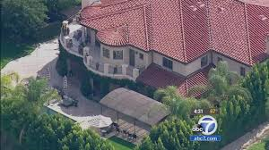 Khloe Kardashian Home by Khloe Kardashian Lamar Odom Report U0026 36 250 000 Home Theft Abc7 Com