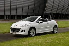new peugeot convertible 2016 peugeot reportedly preparing 208 cabriolet with soft top roof for 2015