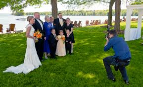wedding photographers file wedding photographer at work jpg wikimedia commons
