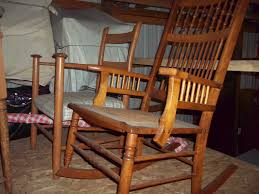 John Deere Rocking Chair Seeburger Moving Auction 5 16 Wegner Auctioneers