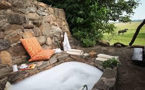Backyard Safari Company - luxury uganda safari lodge apoka safari lodge art of safari