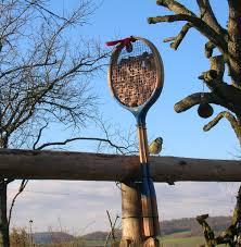 fabrication mangeoire oiseaux cabanons d u0027oiseaux nichoirs abreuvoirs mangeoires en