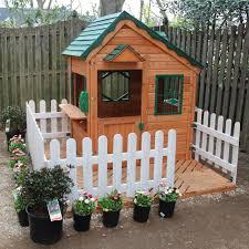 Backyard Play Houses by Backyard Playhouse Idea Love The Fence Rachael Rabbit To