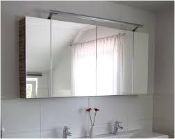 spiegelschr nke f r badezimmer spiegelschrank für badezimmer richtig spiegelschrank bad schwarz
