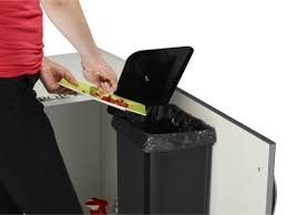 poubelle cuisine rossignol la poubelle rossignol 23l la poubelle de porte grande contenance