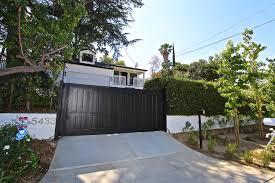 5433 tampa avenue tarzana edgy upscale california bungalow