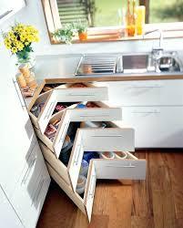 placard angle cuisine cuisine d angle amacnagement de placard idaces pour une maxi