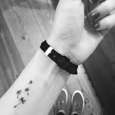 dandelion seeds wrist tattoo dandelion tattoo pinterest