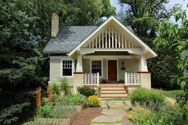 craftsmen home gracious front porch