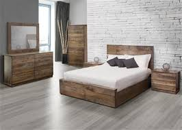 chambre a coucher chene massif moderne chambre a coucher chene massif idées de décoration capreol us
