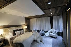 decoration maison chambre coucher déco chalet montagne une centaine d idées pour la chambre à coucher