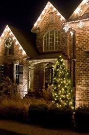 Christmas Lights Installation Toronto by 91 Best Holiday Lighting Images On Pinterest Christmas Ideas