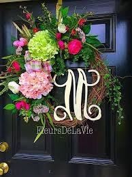 1577 best wreaths images on deco mesh wreaths school