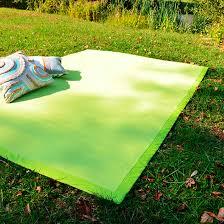 tapis extérieur pvc tressé vert pomme 120 x 180 cm decoweb