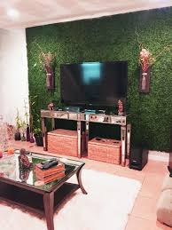 give a fresh look to your living room with this artificial leaf