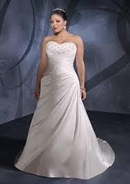 wedding dresses that you look slimmer 70 best wedding dresses images on wedding frocks