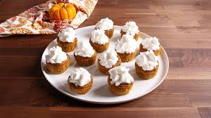 thanksgiving cupcake recipes ideas 17 easy thanksgiving cupcake recipes cute homemade cupcake ideas