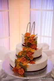 so cute love the topper eddascakedesign wedding cakes