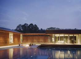 u shaped residence in missouri with a spectacular outdoor