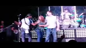 surprise country concert marriage proposal shocked and in tears