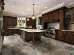 choosing the best kitchen flooring for your kitchen