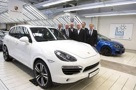 2015 porsche cayenne facelift 2015 porsche cayenne facelift to also be built at vw s osnabrück