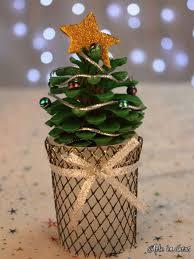 árboles de navidad con piñas navidad pinecone and pine cone