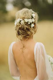 flowers for hair best 25 flowers in hair ideas on bridesmaid hair