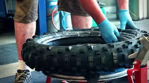 chambre a air moto 18 pouces conseils mécanique comment changer pneu tobesport