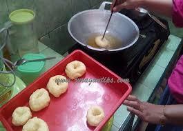 cara membuat donat agar mengembang membuat kue donat goreng meses empuk dan lembut