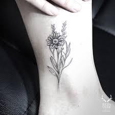 tattoo roses on shoulder daisy flower tattoo tattoo pinterest daisy flower tattoos