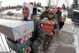 airmen deliver christmas u003e u s air force u003e article display