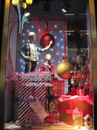 desigual unwrapped mannequins window display best