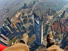 terrifying but stunning images show shanghai tower cranes coming
