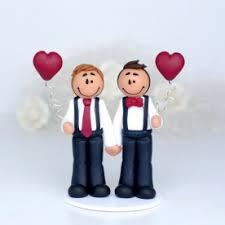 etiquette mariage personnalisã e figurines de gateau de mariage place du mariage