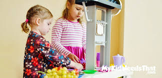 Best Kids Play Kitchen by 15 Best Play Kitchens In 2017 Mykidneedsthat