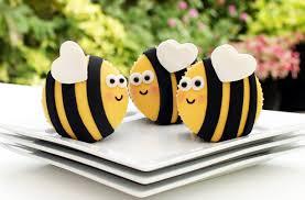 bumblebee cakes bumble bee cupcakes