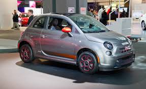 fiat 500 hatchback fiat 500e reviews fiat 500e price photos and specs car and