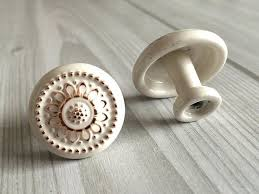 Kitchen Dresser Shabby Chic by Dresser 375 5 Dresser Drawer Pulls Handles Knobs White Gold