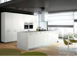 cuisine equipee blanche cuisine blanche aménagée moderne avec grand ilot fabrication française