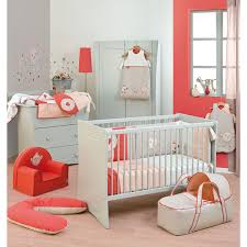 couleur chambre bébé fille décoration chambre bébé corail chambre de boudchou